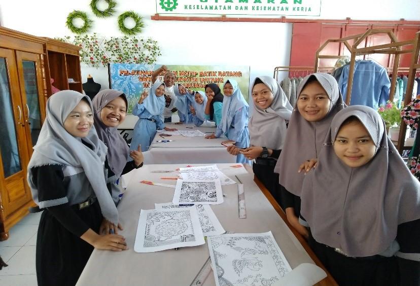 Pelatihan Desain Motif Batik
